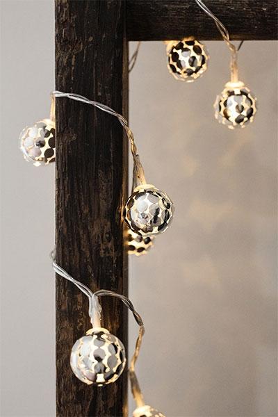 Silver Globe String Lights Kikkerland : Kikkerland Silver Globe String Lights - Kikkerland Delfi knji?are Sve dobre knjige na jednom ...