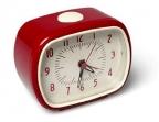 Retro sat sa alarmom - crveni