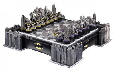 Šah - Batman Pewter Chess Set