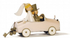 Figura - Bridal Pair in Car